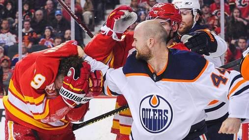 Игрок НХЛ дважды сбил соперника после чего получил ряд жестких зуботычин: видео