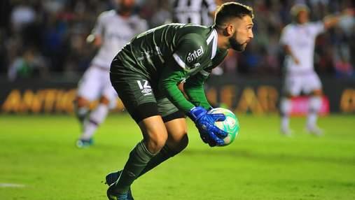 Уругвайський воротар пропустив безглуздий гол між ніг у відборі до Олімпіади-2020: відео