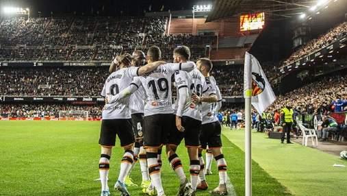 """В футбольном клубе """"Валенсия"""" массово заболели коронавирусом, 25 инфицированных лиц"""