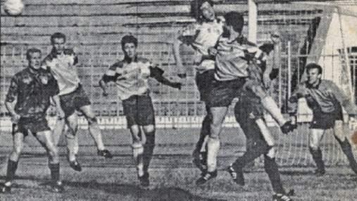 Ретро дня: 27 лет назад сборная Украины выиграла свой первый матч в истории – фото