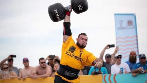 Поднял 100-килограммовую гантель за 75 секунд: украинец Новиков установил мировой рекорд – видео