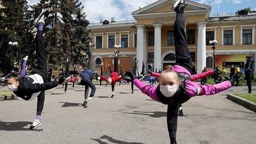 Майбутні олімпійські чемпіонки опинились на вулиці: подробиці