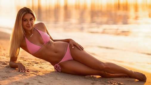 Украинская каратистка поразила фигурой в соблазнительном купальнике на пляже: фото