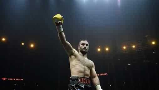 Битый Усиком россиянин эффектно вернулся на ринг, первым ударом нокаутировав соперника