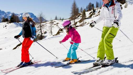На Закарпатті вже можна покататися на лижах: де стартував зимовий сезон