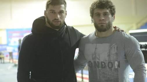 Борцы устроили жестокую драку на чемпионате России: видео