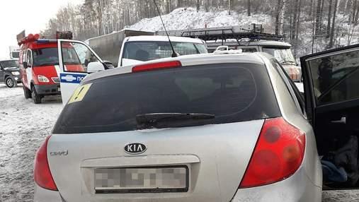 Автобус з дитячою хокейною командою в Росії попав в аварію, одна людина загинула