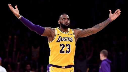 Закрий рот: зірка НБА вступив у словесну перепалку з фанаткою суперника – відео