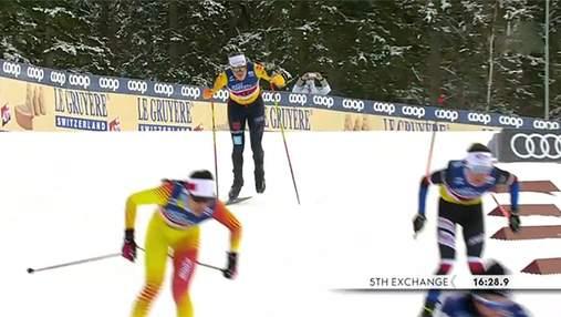 Немецкая лыжница упала во время гонки и финишировала с одной лыжней: фото