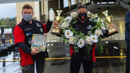 Водитель Формулы-1 установил два рекорда Гиннесса на сьедобном гоночном автомобиле: видео
