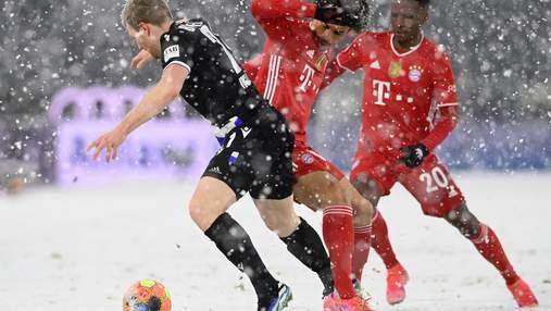 Баварія сенсаційно втратила очки проти одного з аутсайдерів Бундесліги: відео