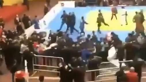 У Росії дзюдоїсти та глядачі влаштували масову бійку: відео