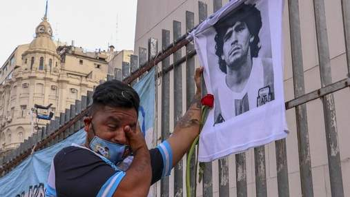 Митинг в Аргентине: фанаты требуют справедливого расследования дела о смерти Марадоны