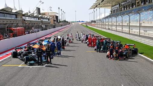 Червона зірка на Mercedes і прапор Росії в Haas: лівреї болідів Формули-1 на новий сезон – фото