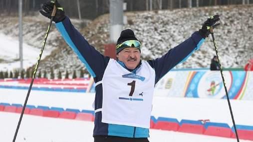 """Лукашенко победил в лыжных гонках: соперник трижды """"случайно"""" падал на финише – видео"""