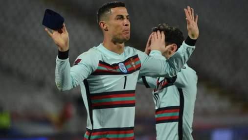 Капитанскую повязку Роналду после скандала выставили на благотворительный аукцион