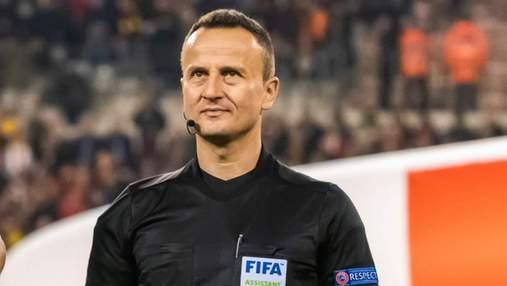 УЄФА відсторонила арбітра, який взяв автограф у Голанда для благодійності