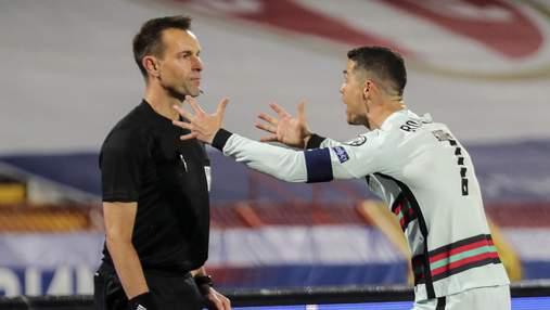 Арбитр потерял работу на Евро-2020 из-за незасчитанного гола Роналду в скандальном матче: видео
