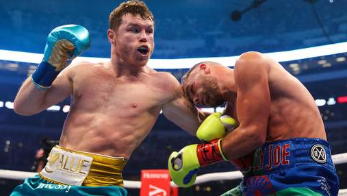 Альварес победил непобедимого Сондерса, которого госпитализировали в больницу с переломом