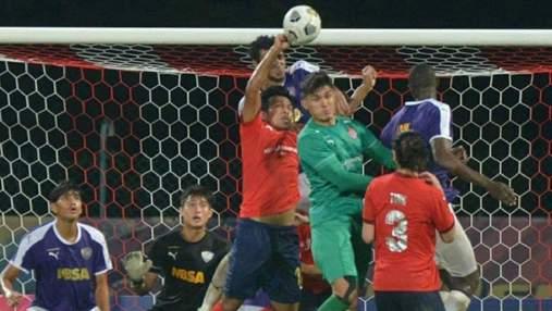 У Малайзії футболіст забив гол рукою у стилі Дієго Марадони: відео