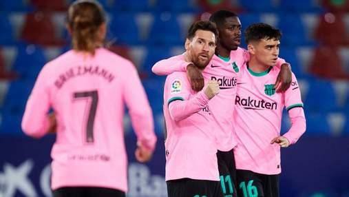 Барселона упустила победу в голевой перестрелке с Леванте: видео