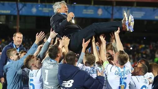 Эмоциональное празднование игроков Динамо после победы в Кубке Украины: видео