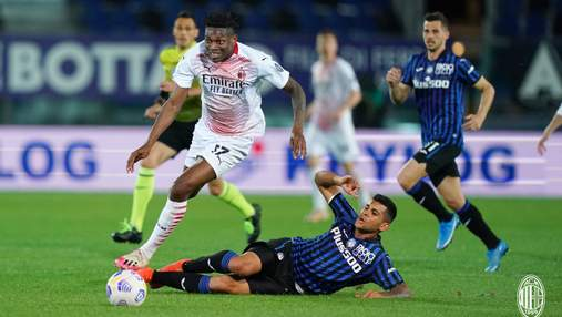 Милан благодаря двум голам с пенальти обыграл Аталанту и занял второе место в Серии А: видео
