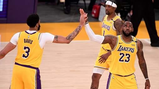 Трехочковый бросок ЛеБрона вывел Лейкерс в плей-офф НБА: видео