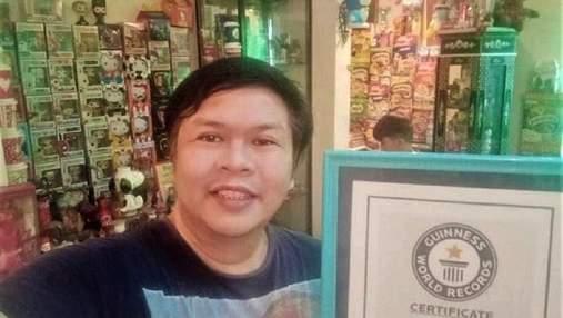 Филиппинец почти 50 лет собирает игрушки из фаст-фуда: их уже 20 тысяч – видео