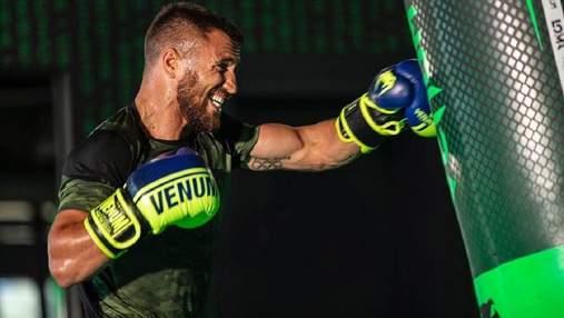 Ломаченко намекнул, что может подписать контракт с UFC