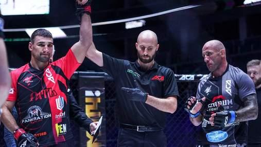 Украинский боец ММА упал в нокаут на турнире в Москве: видео