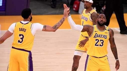 ЛеБрон вперше вилетів у першому раунді плей-офф НБА: Лейкерс склали чемпіонські повноваження
