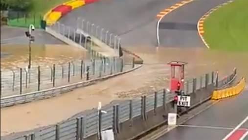 Легендарний автодром Формули-1 пішов під воду: відео