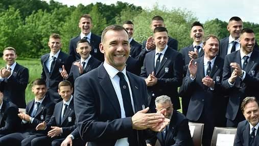 Шевченко провел Марлосу мастер-класс по завязыванию галстука: смешное видео
