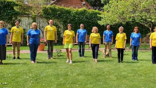 Британські дипломати похвалилися новою формою збірної України: фото