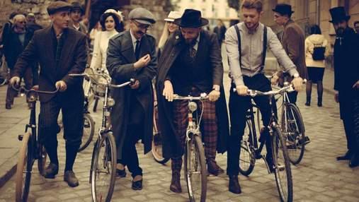 Батяры на велосипедах: во Львове прошел велопробег в стиле ретро – винтажные фото