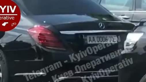Мчался по встречной: в Киеве патрульные остановили кортеж Суркиса, – видео