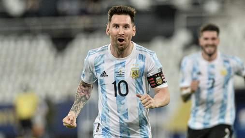 Месси впервые с 2017 года забил два гола в одном матче за сборную Аргентины: видео