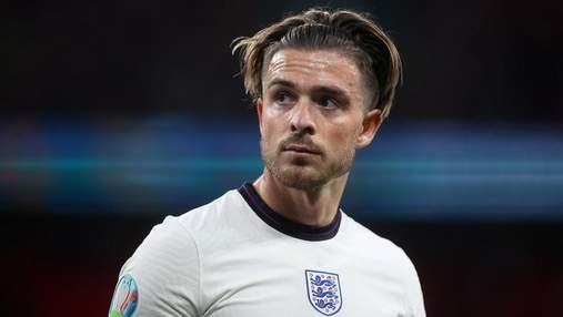 Игрок Англии Грилиш подарил бутсы юному фанату после финала Евро-2020: милое видео