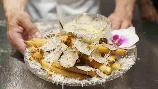 В Нью-Йорке продают самую дорогую в мире картошку фри: сколько она стоит и как ее готовят
