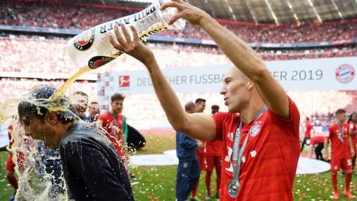 Легенда Баварії Ар'єн Роббен з другої спроби завершив кар'єру футболіста