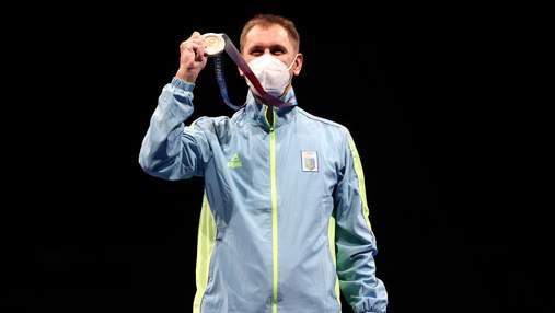 Як Ігоря Рейзліна нагороджували медаллю на Олімпіаді-2020: фото