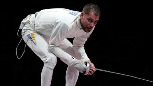 Мужественно стоял на одной ноге: Рейзлин с травмой победил в командной шпаге на Олимпиаде