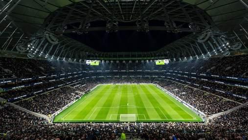 На стадионе, где встретятся Усик и Джошуа, произошел пожар: 300 человек были эвакуированы