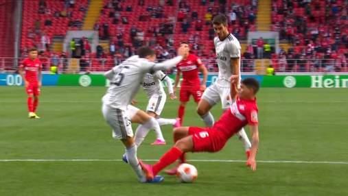 Арбітр не призначив пенальті у ворота Спартака після моторошного фолу – шипами в ногу: відео