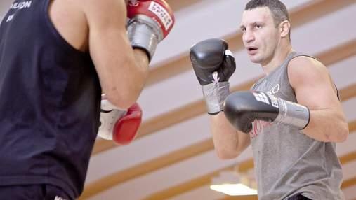 Віталій Кличко оцінив шанси Усика в бою з Джошуа