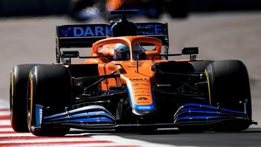 Формула-1: Норрис сенсационно взял первый поул в карьере, Расселл стартует третьим