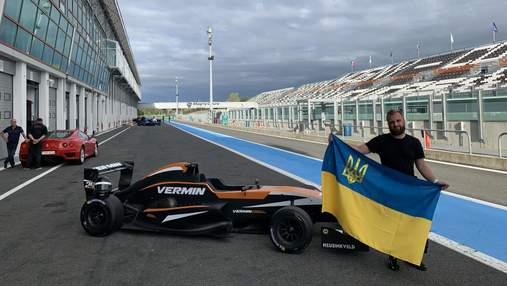 Чемпион Украины по симрейсингу испытал настоящий болид на гоночной трассе во Франции