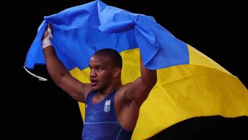 Борець-депутат Беленюк вирішив продати золоту медаль Олімпіади-2020