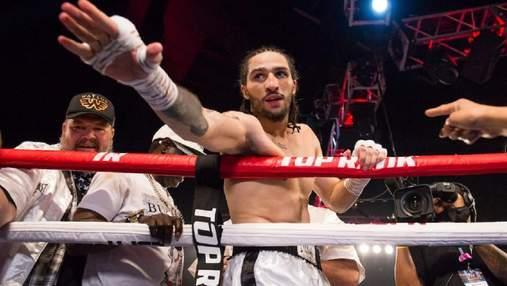 Внук Мухаммеда Али безжалостно уничтожил соперника: было выброшено белое полотенце– видео